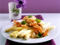 Weißer Spargel mit gebratenen Shrimps und Tomaten Rezept