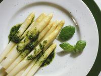 Weißer Spargel mit Kräuteröl Rezept