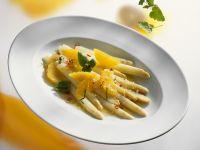 Weißer Spargelsalat mit Orangen