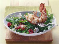 Wildkräutersalat mit halbem gegrilltem Hummer Rezept