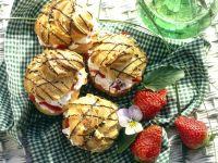 Windbeutel mit Erdbeerfüllung Rezept