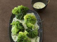 Wirsingbeutelchen mit Polenta gefüllt dazu Zwiebel-Sahne-Soße Rezept