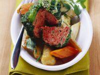 Wirsingpäckchen mit Hackfleisch und Schmorgemüse Rezept