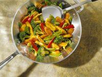 Wok-Gemüse mit Hähnchen Rezept