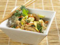 Wok-Kokos-Gemüse mit Schweinefleisch