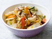 Wokgemüse mit Cashewkernen Rezept