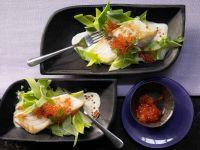 Wolfsbarschfilets mit Keta-Kaviar