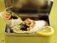 Wraps mit Sprossen-Krabbensalat gefüllt Rezept