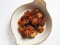 Würzige Mini-Pulpos mit Kartoffeln Rezept