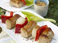 Wurstspieß mit Paprika und Zwiebel Rezept