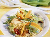 Zartweizensalat mit Gemüse und Putenstreifen Rezept