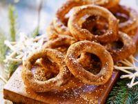 Zimtkringel zu Weihnachten Rezept