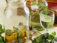 Zitronenmelisse-Likör Rezept