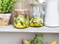 Zucchini in Öl-Marinade Rezept