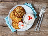Zucchini-Pancakes mit Paprika-Joghurt-Dip Rezept