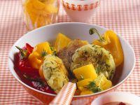 Zucchini-Reibekuchen mit Paprikagemüse Rezept