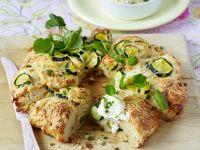 Zucchinibrot mit pikantem Dip Rezept