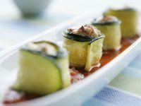 Zucchiniröllchen mit Füllung Rezept