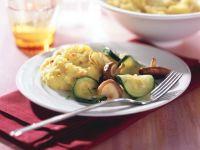 Zwiebel-Kartoffelpüree mit Zucchini-Shiitake-Gemüse Rezept