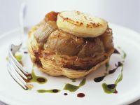 Zwiebel-Tartelett mit Ziegenkäse Rezept