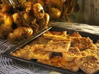 Zwiebelkuchen vom Blech Rezept
