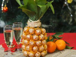 Das perfekte Geschenk: Schoko-Ananas-Sektflasche
