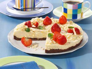 Amaretto-Creme-Torte auf Schokoladenboden Rezept