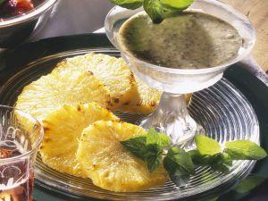 Ananas mit Mohnsahne Rezept