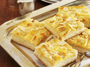 Apfel-Käsekuchen mit Mandeln Rezept