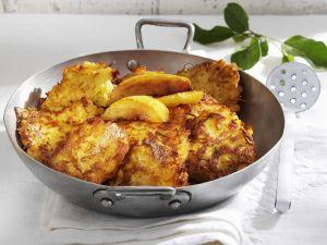 Apfel-Kartoffel-Küchlein Rezept