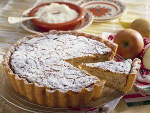 Apfel-Mandel-Kuchen nach ungarischer Art Rezept
