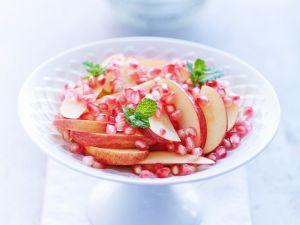 Apfel mit Granatapfelkernen Rezept