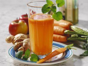 Apfel-Möhren-Saft mit Ingwer Rezept