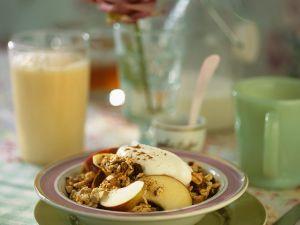 Apfel-Müsli und Orangen-Milch Rezept