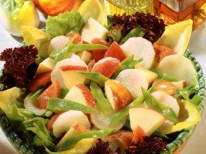 Apfel-Rettich-Salat mit Kefen Rezept