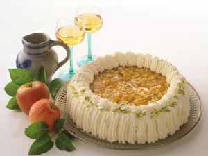 Apfel-Wein-Kuchen Rezept