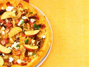 Apfel-Zwiebel-Pizza Rezept
