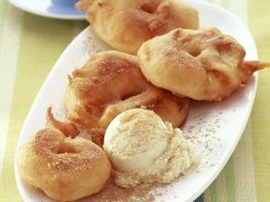 Apfelkücherl mit Vanilleeis Rezept