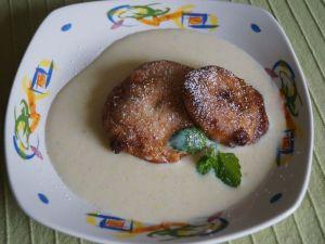 Apfelküchle mit Vanillesoße Rezept