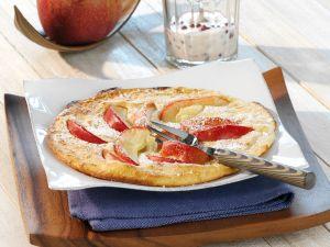 Apfelpfannkuchen mit Preiselbeer-Creme Rezept