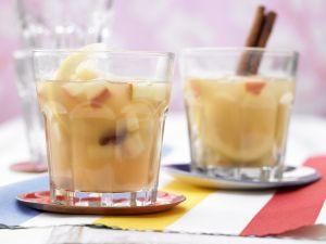 Apfelpunsch mit Rosinen Rezept