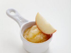 Apfelsauce mit Meerrettich Rezept