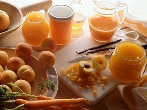 Aprikosenkonfitüre mit Möhre und Orange Rezept