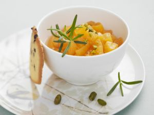 Aprikosensalat mit Pistazien Rezept
