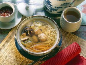Asia-Suppe mit Fleischbällchen Rezept