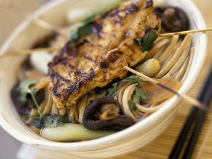 Asiaitische Nudelsuppe mit Hähnchenbrust Rezept