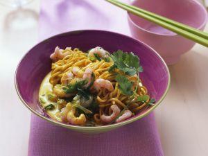 Asianudeln mit Shrimps in Curry-Kokossauce Rezept