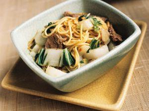 Asiatische Nudeln mit Rindfleisch Rezept