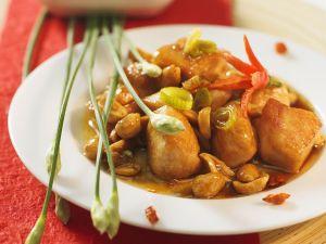 Asiatisches Erdnuss-Hähnchen Rezept