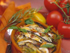 Auberginen-Eier-Auflauf mit Tomaten Rezept